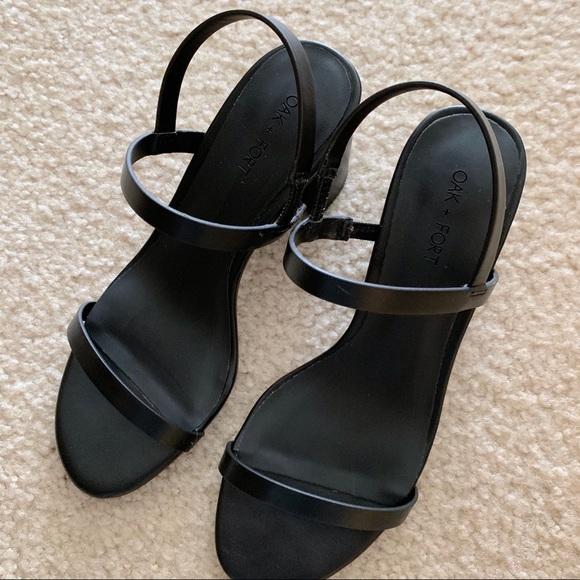 85cdeb318f2 Matte black minimalist block heel sandals NWT